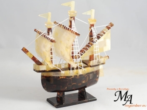 Sailing Ship made of Amber | A Business Gift (1)