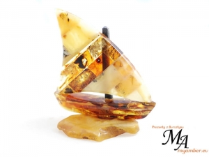 Amber Sailboat - Amber Gifts +cert 10217 (1)