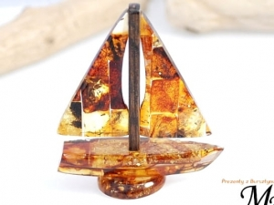 Amber Sailboat - Amber Gifts +cert 10217